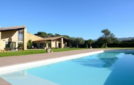 4 bedroom villas and houses to rent in Costa Brava. Villa – Gerona (city), Costa Brava, Spain