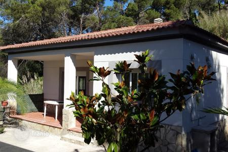 Cheap 3 bedroom houses for sale in Catalonia. Villa – Lloret de Mar, Catalonia, Spain
