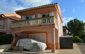 3 bedroom houses for sale in Balearic Islands. Spacious villa in five minutes walking from the beach, Alcudia, Spain