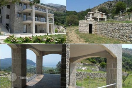 Luxury houses for sale in Kaluđerac. Townhome - Kaluđerac, Budva, Montenegro