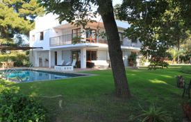 Villas and houses for rent with swimming pools in Southern Europe. Villa – Sitges, Catalonia, Spain