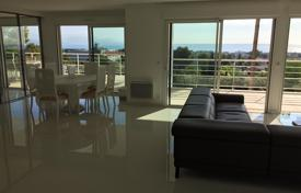 Luxury apartments for sale in Antibes. Apartment with a large terrace and panoramic view over the sea and mountains