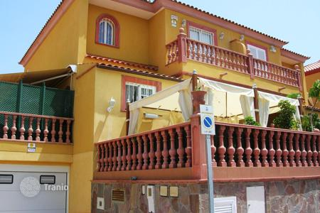 5 bedroom houses for sale in Tenerife. Villa - Costa Adeje, Canary Islands, Spain