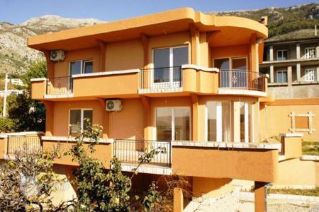 Coastal houses for sale in Sutomore. Villa – Sutomore, Bar, Montenegro