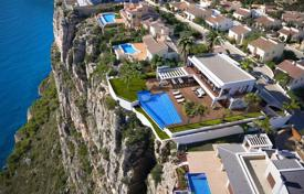 Luxury residential for sale in Benitachell. New villa on the first line from the sea in Cumbre del Sol, Alicante, Spain