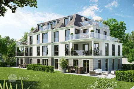 3 bedroom apartments for sale in Munich. New three-bedroom apartment with a terrace and private garden in Nymphenburg area, Munich