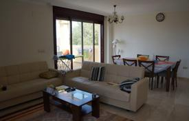 Apartments for sale in Ojen. Apartment with a terrace, a garden and a view of the mountains and the sea, Ojen, Malaga, Spain