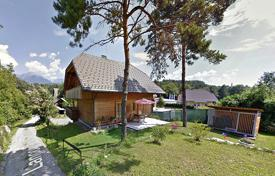 5 bedroom houses for sale in Central Europe. This lovely house is located near the river Sava in Lancovo near Radovljica