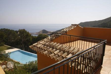 Houses with pools for sale in Sa Tuna. Villa - Sa Tuna, Catalonia, Spain