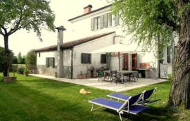 Luxury 3 bedroom houses for sale in Lombardy. Ancient HUNTING LODGE — 28 KM from LAKE OF GARDA