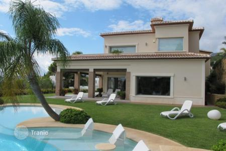 Luxury chalets for sale in Costa Blanca. Detached Villa — Jávea