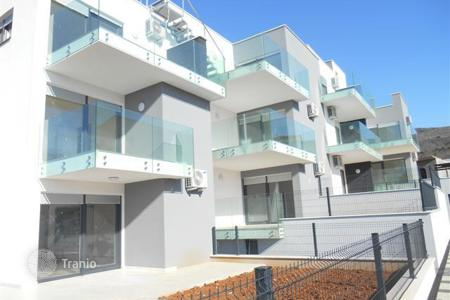 Residential for sale in Selca. The comfortable building with a swimming pool in the resort Selce
