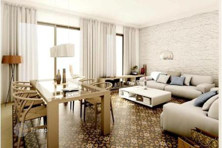 2 bedroom apartments for sale in L'Eixample. New three-room apartment with balcony in Eixample-Esquerra, Barcelona
