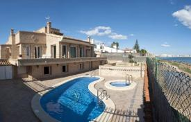 Luxury property for sale in Valencia. Villa – Torrevieja, Valencia, Spain