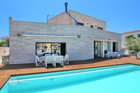 Luxury 5 bedroom houses for sale in Costa Brava. Villa – Empuriabrava, Catalonia, Spain