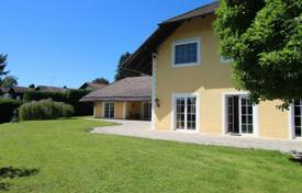 Luxury 6 bedroom houses for sale in Central Europe. Spacious villa with a private garden, a sauna and a garage, Starnberg, Germany