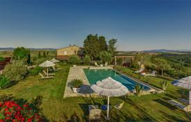 Luxury 6 bedroom houses for sale in Tuscany. Restored historic traditional-style estate with a swimming pool, a gym and a large park, Montaione, Italy