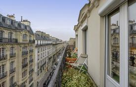 Luxury 4 bedroom apartments for sale in Paris. Paris 9th District – A near 150 m² duplex apartment
