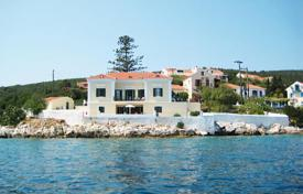 Luxury 6 bedroom houses for sale in Administration of the Peloponnese, Western Greece and the Ionian Islands. Kefalonia. Fiscardo. Exclusively our agency has for sale, a unique opportunity of beachfront house of 400sqm, in a magnificent location