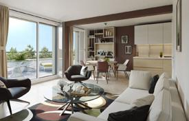 Residential for sale in Toulouse. Modern apartment with a terrace, in a new residential complex with a parking, next to the historic city center, Toulouse, France