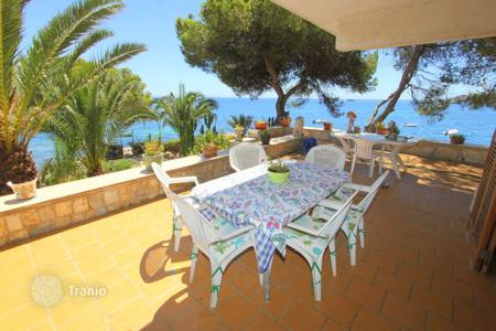 Houses with pools for sale in Son Caliu. Villa - Son Caliu, Balearic Islands, Spain