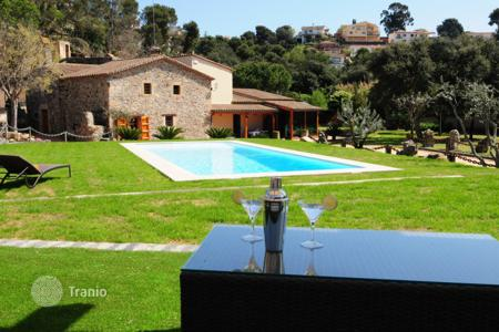 4 bedroom houses for sale in Santa Susanna. Villa – Santa Susanna, Catalonia, Spain