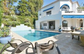 Coastal property for sale in Côte d'Azur (French Riviera). Villa — Antibes — 9 rooms — Swimming pool — Sea view