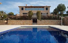 Luxury mansion with a swimming pool, a garden, garages and sea views, on the first line from the sea, Camp de Mar, Mallorca, Spain for 48,500,000 €