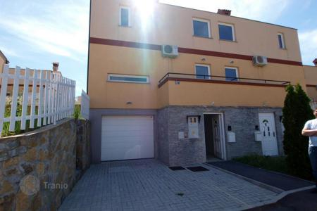 Townhouses for sale in Slovenia. Terraced house - Koper, Obalno-Cabinet, Slovenia