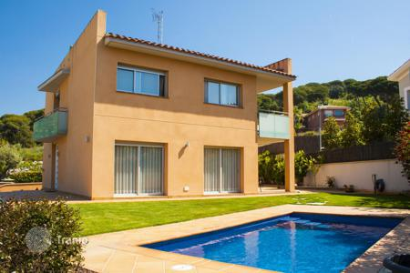 5 bedroom houses for sale in Sant Pol de Mar. Confortable tower in Sant Pol de Mar