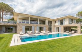 Villas and houses to rent in Saint-Tropez. Saint-Tropez — Near the center