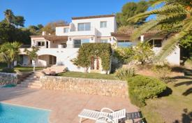 Houses for sale in La Colle-sur-Loup. Villa – La Colle-sur-Loup, Côte d'Azur (French Riviera), France