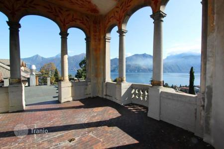 Coastal commercial property in Italy. Hotel – Lake Como, Lombardy, Italy