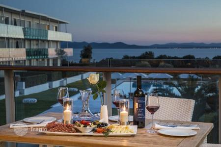 Apartments for sale in Zadar. Apartment Luxury apartment 135 m² in Resort — Zadar. First row to the sea!