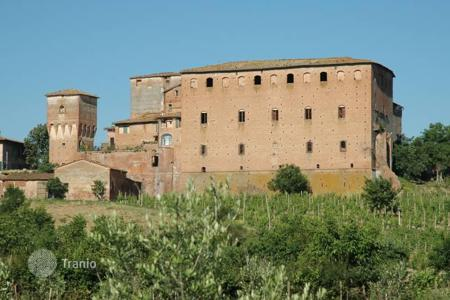 Property for sale in Monteroni D'arbia. Historical castle near Siena