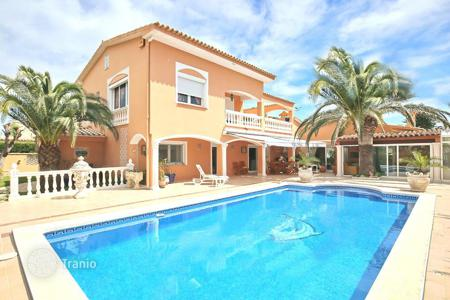 5 bedroom houses for sale in Costa Brava. Villa – Empuriabrava, Catalonia, Spain