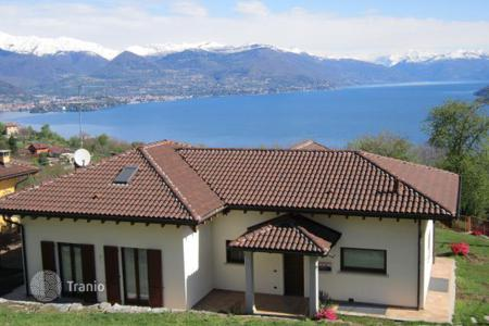 4 bedroom houses for sale in Stresa. Villa – Stresa, Piedmont, Italy