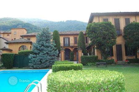 Property for sale in Lombardy. VILLA OF 1600 with LECCO LAKE VIEW