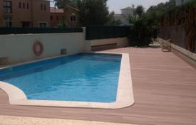 2 bedroom apartments for sale in Costa Dorada. Apartment with terraces and sea views in a residential complex with a swimming pool, Mont Roch del Camp, Spain