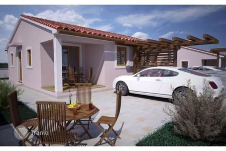 Residential for sale in Peroj. Istria Barbariga New house with a garden, two bedrooms!