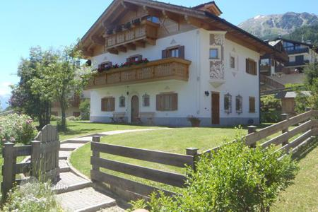 4 bedroom houses for sale in Lombardy. Villa – Bormio, Lombardy, Italy