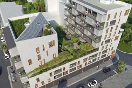 Luxury residential for sale in Alfortville. 3-roomed flat in a block under construction in Alfortville, near Paris