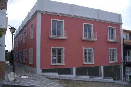Cheap 1 bedroom apartments for sale in Guadiaro. 1 bedroomed apartment in Pueblo Nuevo de Guadiaro