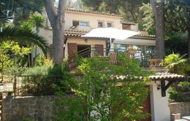 3 bedroom villas and houses to rent overseas. Cap d'Antibes — Cosy house to rent