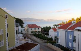 Property for sale in Bijelo Polje. Comfortable apartment with sea views in Sutivan, Brac island