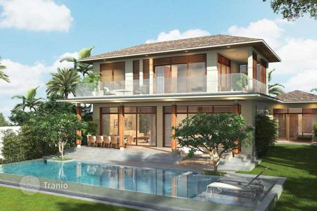 4 bedroom off-plan houses for sale overseas. Two-storey villas in Da Nang, Vietnam. Large plots, terraces, balconies, swimming pools. High rental potential!