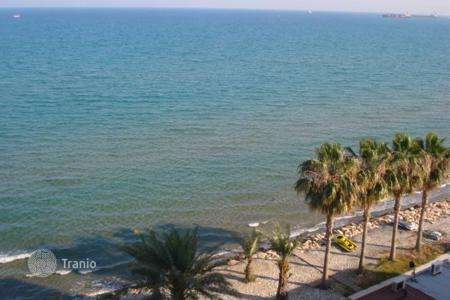 4 bedroom apartments for sale in Larnaca (city). Four Bedroom Beach apartment with Title Deeds