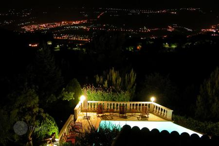 Property to rent in Nice. Beautiful villa in the Heart of the French Riviera