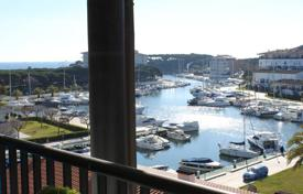 Penthouse with great sea and marina views, 100m from the beach for 315,000 €