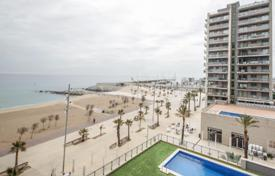 Apartments with pools for sale in Badalona. Nice apartment in front of Badalona's beach